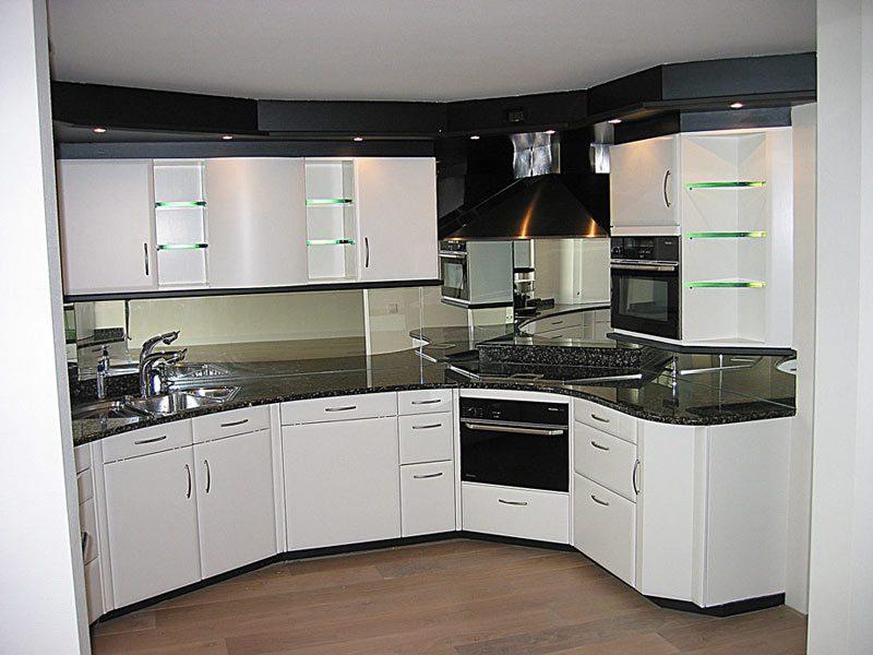 Achterwand Keuken Mdf : oude folie verwijderd en keukenkasten voorzien van een nieuwe en